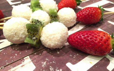 Menù tricolore: spiedini di cocco, fragole e kiwi – Imagine