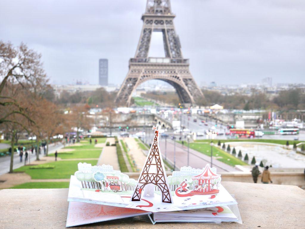 tempo di Natale, regali, libri, pop-up, libri parigi, natale a parigi, profumo da regalare, profumo parigino, daniel wellington natale