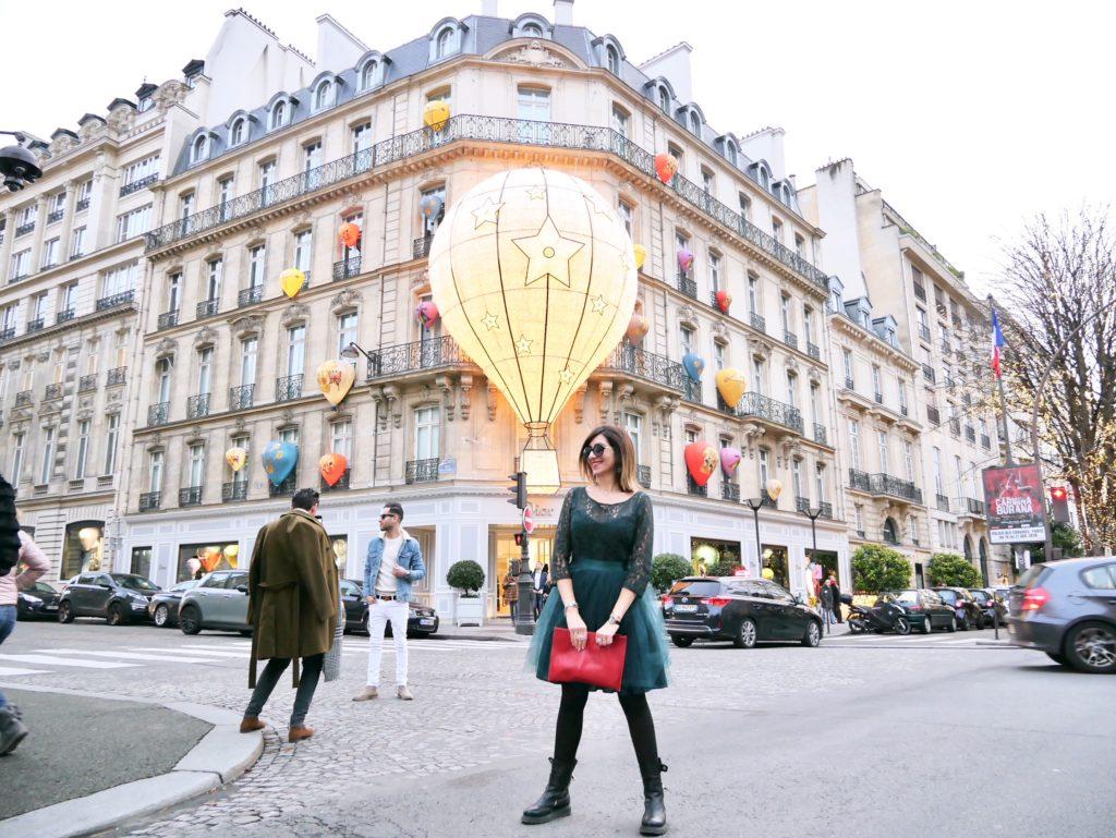 maison dior, dior paris, dior, parigi, avenue montagne, mongolfiera dior, naf naf, johnkyril, pochette Victoire, natale a Parigi, xmas in Paris, parigi, travel paris