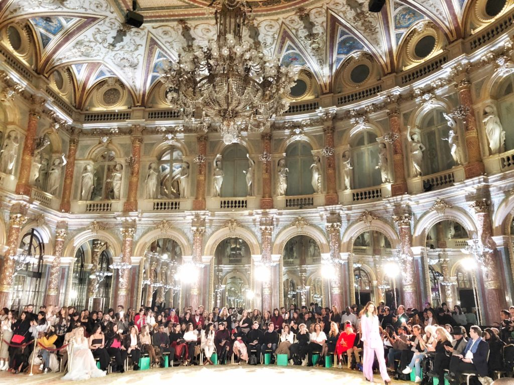 Paris Fashion Week, paris fashion week 2018, Pfw, Pfw2018, fashion week, moda a Parigi, Paris fashion, stilisti emergenti, oxford fashion studio, the river agency, intercontinental le grand, sfilate fashion week parigi, vestiti da favola