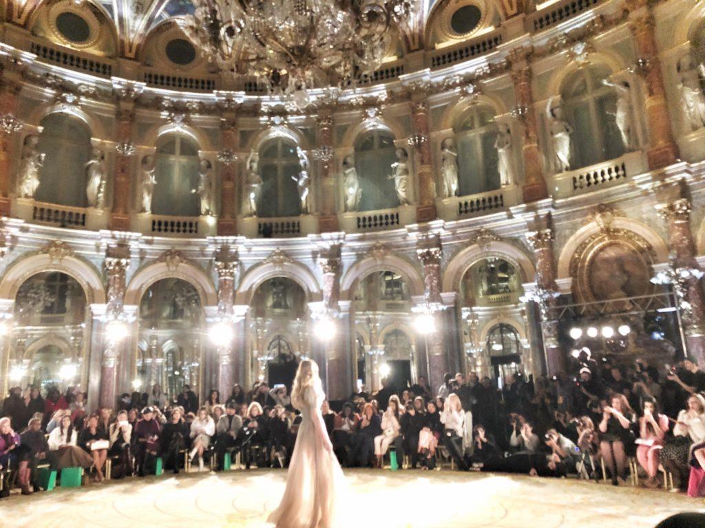 Paris Fashion Week, paris fashion week 2018, Pfw, Pfw2018, fashion week, moda a Parigi, Paris fashion, stilisti emergenti, oxford fashion studio, the river agency, intercontinental le grand, sfilate fashion week parigi, vestiti da favola